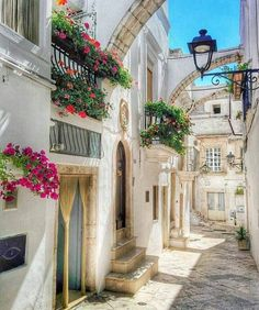 ☆Fantastic photo by Centro Storico Locorotondo - Bari, Italy. Beautiful Places To Travel, Beautiful World, Dream Vacations, Italy Travel, Places To See, Nature, National Parks, Scenery, Around The Worlds