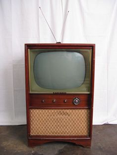 Attractive 1950s Vintage Sparton Cabinet TV Television Model 14A20...... Ours Was