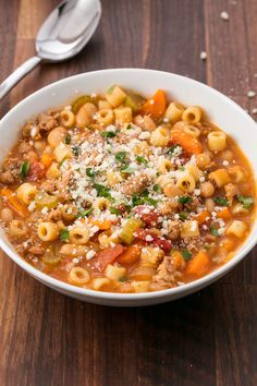 Easy Pasta e Fagioli Soup Recipe - How to Make Pasta Fagioli with Sausage Fall Soup Recipes, Pasta Recipes, Recipe Pasta, Pasta Fagioli Recipe Vegetarian, Recipes Dinner, Winter Dinner Recipes, Recipe Recipe, Slow Cooking, Cooking Recipes