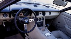 Maserati Indy 4.9 (1972 to 1975) interior details