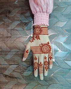 MeHndi DesiGn for CuTe Girls😊 Simple Mehndi Designs Fingers, Henna Tattoo Designs Simple, Latest Bridal Mehndi Designs, Back Hand Mehndi Designs, Finger Henna Designs, Full Hand Mehndi Designs, Henna Art Designs, Mehndi Designs For Beginners, Mehndi Designs For Girls