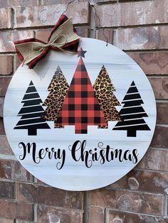 Christmas Door Hanger, Christmas Tree Door Hanger, Buffalo P… – Wall Products Hanger Christmas Tree, Christmas Door, Christmas Signs, Christmas Projects, Winter Christmas, Holiday Crafts, Christmas Wreaths, Christmas Bulbs, Christmas Decorations
