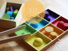 DIY-Idee: Farb-Sortierkasten | Hallo, Ihr Lieben, wir möchten Euch heute gerne einmal zeigen, wie Ihr aus einfachen Materialien ein interessantes und spannendes Lernspielzeug herstellen könnt.