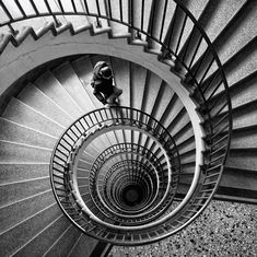 Amazing Pictures of One Point Perspective Photography 02 this is epic!!!