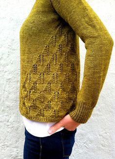 Ravelry: Princess Fiona pattern by Amy Miller. Love the pattern and the yarn. Love Knitting, Sweater Knitting Patterns, Knit Patterns, Hand Knitting, Knit Sweaters, Cardigan Pattern, Pull Crochet, Knit Crochet, Crochet Summer