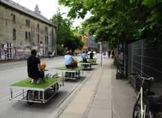 The PARKCYCLE SWARM consists of a number of human powered mobile gardens N55 CV