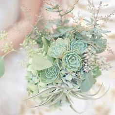 Mint is such a trendy wedding color! Check out 17 of our favorite ways to incorporate the stylish tone into your wedding celebration!