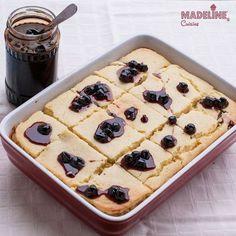 De Sfantul Andrei sa ne indulcim cu o prajitura delicioasa cu ricotta, malai si iaurt. Simpla si gustoasa, aduce a gris cu lapte combinat cu placinta...
