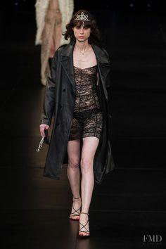 Yves Saint Laurent - YSL fashion show for Spring/Summer 2016