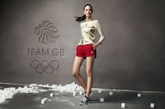 Stella McCartney, creatively directs the British Olympic team for London 2012 games Stella Mccartney Adidas, London 2012 Game, London Marathon, Team Gb, Olympic Team, Yoga Fashion, Sporty Chic, Clothes Horse, Olympics