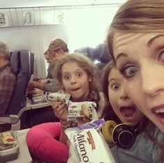 10 Things to Bring on Long Flights With Kids