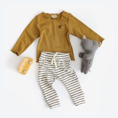 Organic L/S Pocket Tee - Ochre - Baby boy outfit Baby Girl Fashion, Fashion Kids, Toddler Fashion, Fashion Outfits, Toddler Outfits, Baby Boy Outfits, Kids Outfits, Organic Baby Clothes, Cute Baby Clothes