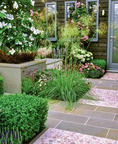 ideen f r den reihenhaus vorgarten vorgarten pinterest reihenhaus sitzplatz und vorgarten. Black Bedroom Furniture Sets. Home Design Ideas