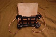 Reconstruction bag from Haithabu by Kram Msciwoja Medieval Craftsman Viking Garb, Viking Dress, Leather Crossbody Bag, Leather Bag, Norse Clothing, Leather Belts, Leather Working, Satchels, Leather Craft