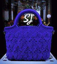 Macrame Purse, Macrame Knots, Handmade Purses, Handmade Handbags, Granny Square Bag, Crochet Bag Tutorials, Micro Macramé, Macrame Design, Macrame Patterns