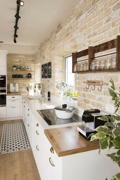 11 Simple Home Decoration Ideas for Your Kitchen More ideas: DIY Rustic Kitchen Decor Accessories Marble Kitchen Accessories Ideas Farmhouse Kitchen Storage Accessories Modern Kitchen Photography Accessories Cute Copper Kitchen Gadgets Accessories Contemporary Kitchen Interior, Interior Design Kitchen, Kitchen Wall Design, Interior Brick Walls, Farmhouse Contemporary, Simple Kitchen Design, Simple Interior, Design Bathroom, Modern Farmhouse Kitchens