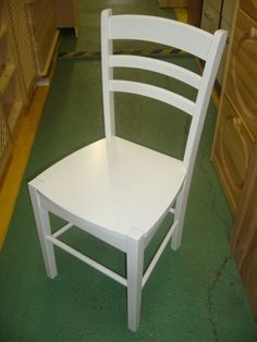 židle masiv bílá