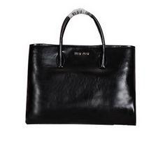 9409018ff57 Wholesale Réplique D origine en cuir brillant de Miu Sac fourre-tout noir…