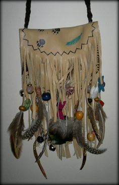 Native American Indian Spirit Bag. /I need some feathers to add to mine, love this EL/