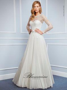 Blumarine Modello - Wedding Dresses Bridal Gowns,Prom Dresses On Sale 2016 Wedding Dresses, Prom Dresses For Sale, Wedding Pics, Wedding Styles, Formal Dresses, Wedding Consultant, Couture, Bridal Gowns, Marie