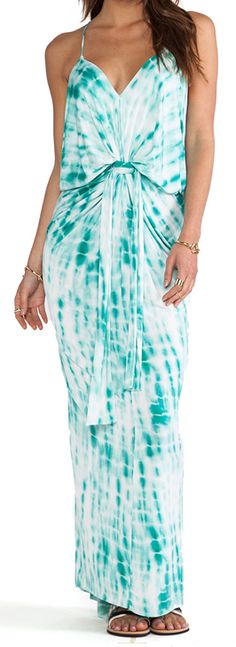 knot front maxi dress  http://rstyle.me/n/f9at3pdpe