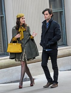 Blair (Leighton Meester) in Ann Marie Faulkner hat, Gryphon cape, Fendi leather bag and Miu Miu mary jane pumps on Gossip Girl.