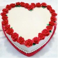 Vizagfood.com Provide Online Delivery Premium Heart shape cake and also Send Best Birthday Cake Delivery Online in Vizag Visakhapatnam