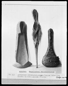 Patten (center) [shoe cover], 1450-1500, as seen in Housebook artwork