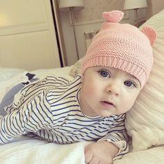 """Mamá... Sigues dormida?"" #mamá #bebé #bebenube #canastilla #love #life"