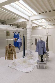 Display Seoul: Andersson Bell store opening – superfuture Lawrence Bedding Collections and Ensembles Retail Store Design, Retail Shop, Clothing Store Interior, Fashion Showroom, Store Displays, Retail Displays, Window Displays, Visual Merchandising Displays, Store Interiors