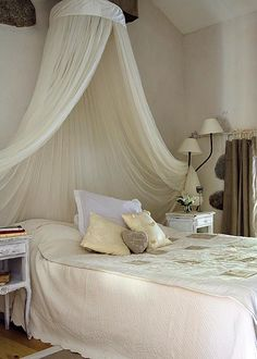 1000 images about decorations ciel de lit on pinterest canopies bed crown and bed canopies. Black Bedroom Furniture Sets. Home Design Ideas
