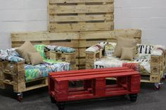 Hey, I found this really awesome Etsy listing at https://www.etsy.com/listing/215552213/pallet-coffee-table-pallet-furniture