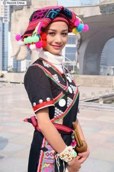 民族衣装姿の乙女たち―第3回中国ASEAN博覧会記念特別番組(3...:レコードチャイナ