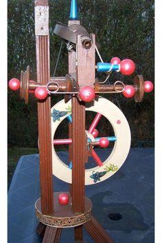 Bild 6 - Handarbeit, Basteln - stehendes Spinnrad Bockrad mit Haspel und 3 Spulen