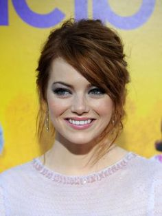 The Best Color Lipstick for a Redhead With a Fair Complexion