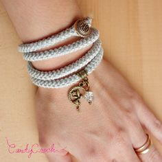 Bracelet wrap gris