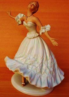 WONDERFUL RARE LARGE ART DECO WALLENDORF DANCER LADY PORCELAIN FIGURE FIGURINE
