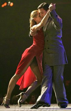 There is no sexier dance than the Argentine Tango. Go to Buenos Aires and learn to dance the Dance of the Heart - The Argentine Tango. Shall We Dance, Lets Dance, Burlesque, Dance Baile, Dance Like No One Is Watching, Partner Dance, Dance Movement, Argentine Tango, Ballroom Dancing