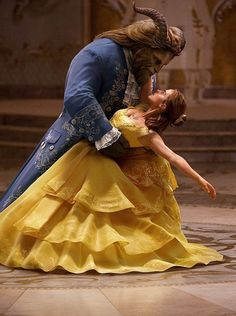 "This image released by Disney shows Dan Stevens as The Beast, left, and Emma Watson as Belle in a live-action adaptation of the animated classic ""Beauty and the Beast. Belle Disney, Disney Live, Dan Stevens, Disney Films, Disney And Dreamworks, Live Action, Emma Watson Photos, Disney Magie, Beast Costume"