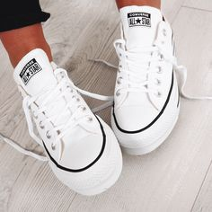Taylor All Star Platform Low Top White -Chuck Taylor All Star Platform Low Top White - Mode Converse, Outfits With Converse, Converse Shoes, Shoes Sneakers, All White Converse, Converse Chuck Taylor All Star, Zapatillas All Star, Sneakers Fashion, Fashion Shoes