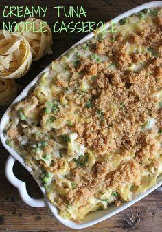 Creamy Tuna Noodle Casserole, quick, easy and so creamy, a delicious tuna casserole. You pick the veggie / anitalianinmykitchen.com