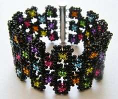 Tutorial bracelet  Confetti in cubic right angle weave. €5,00, via Etsy.
