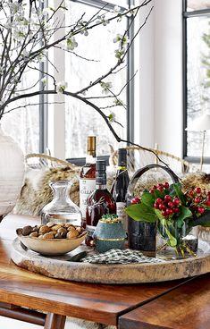 Dans un chalet à Aspen The Snow, Aspen, Christmas Decorations For The Home, Christmas Home, Christmas Ideas, Christmas Classics, Holiday Ideas, Style At Home, Building A Home Bar