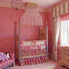 Un Lugar Para Los Sentidos: Habitación Infantil en Rosa (algo Kitsch)