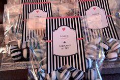 Wedding favors in Black and White instructions on La Belle Bride Website