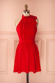 Robe trapèze voile rouge vif à licou - Bright red pleated veil A-line halter dress
