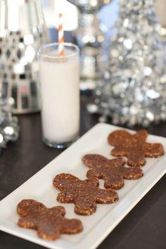 Super healthy Raw Gingerbread Men! No bake, vegan, paleo, gluten-free, grain-free, with no refined sugars! From RabbitFoodForMyBunnyTeeth.com