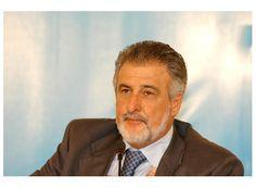 Melles não será candidato a presidente da Cooparaiso http://www.passosmgonline.com/index.php/2014-01-22-23-07-47/regiao/4552-melles-afirma-que-nao-e-candidato-a-presidente-da-cooparaiso