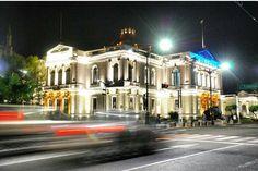 Universidad de Guadalajara  Foto por @arquique  #Guadalajara #enguadalajara #gdl #gdlmx #megustagdl #igersguadalajara #igersmexico #mexicoandando #mexicanosconx #mexicolores #mexicolorido #icu_mexico #loves_mexico #luz lights #urban #urbanexploration #urbano #universidad #arquitectura #arquitecturamx #archilovers #night #building #edificio #vscocam #wanderlust #liveauthentic