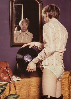 Andy Warhol. S)
